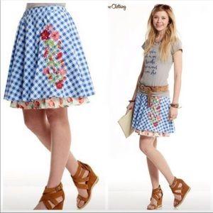 Happy and free Dutch apple skirt